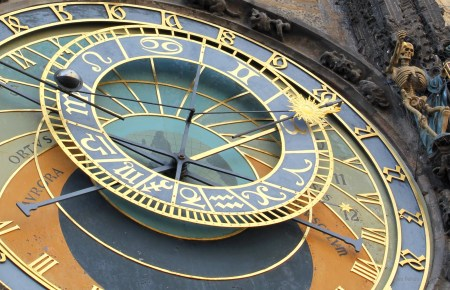astronomical-clock-close