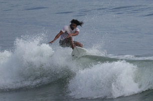 baler_surfers_5555